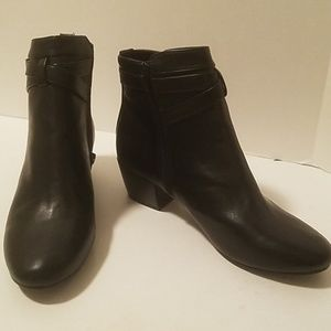 Kenneth Cole Reaction ankle boots/booties